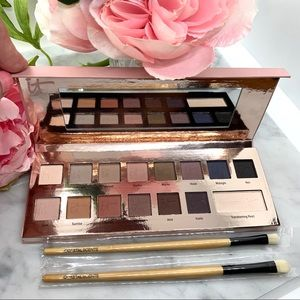 iT COSMETICS Naturally PRETTY Eyeshadow Palette 1